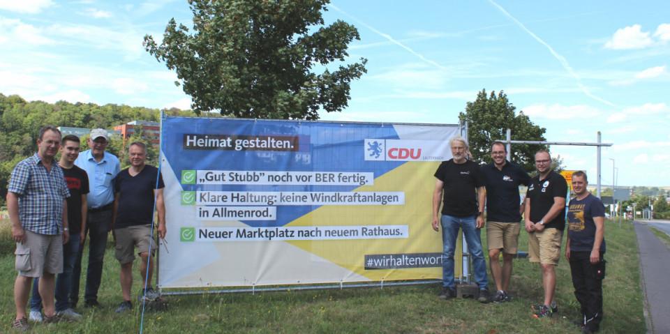 Die Lauterbacher CDU macht mit Großflächenplakaten mit drei Textmotiven bei der Aktion #wirhaltenwort auf Erfolge in der Stadtpolitik aufmerksam